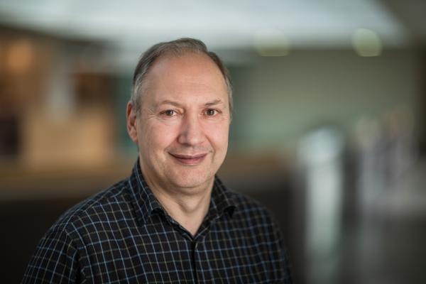 Dr Mark Wormald