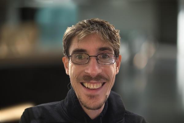 Associate Prof Peter Sarkies