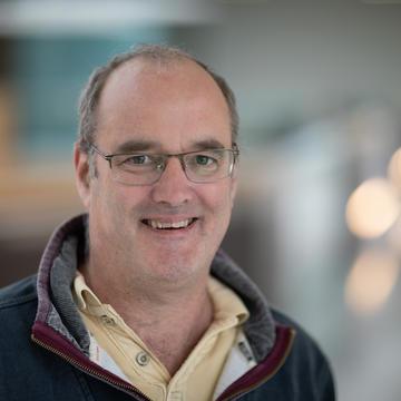 Prof Nick Lakin