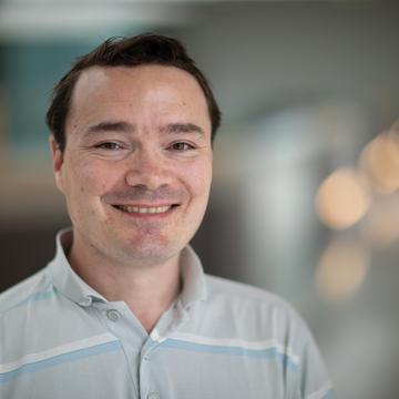 Prof Simon Newstead